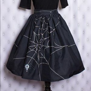 Oblong Box Shop Pearl the Spider Skirt L Halloween